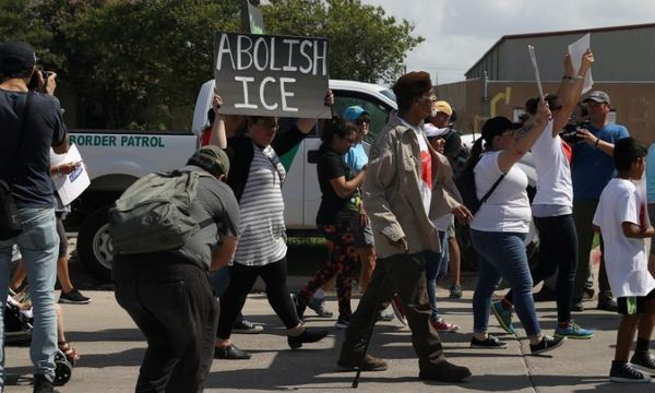 Protesters disrupt immigration agents with encampments across U.S.