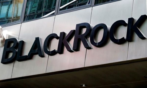 BlackRock tops profit estimates on investment advisory fees