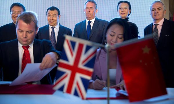 China says agrees with UK to discuss 'top notch' free trade deal