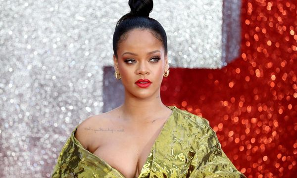 Rihanna turns down Super Bowl show in support of Kaepernick