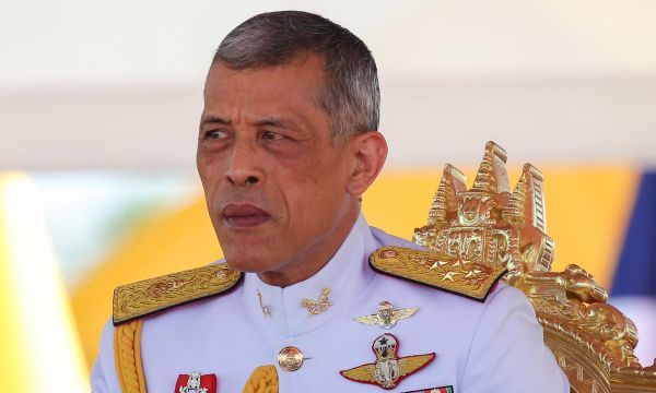 Thai king moves to block sister's 'inappropriate' candidacy for PM