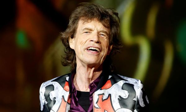 Mick Jagger says he is on the mend after heart surgery