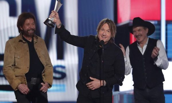 Country stars shine in Vegas at Academy of Country Music awards