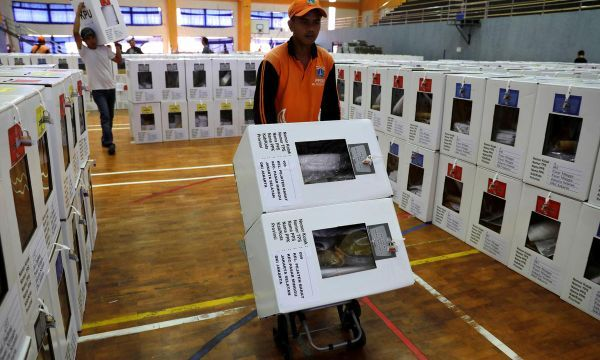 Thwarting fraud: thousands to 'crowd-source' Indonesian election results