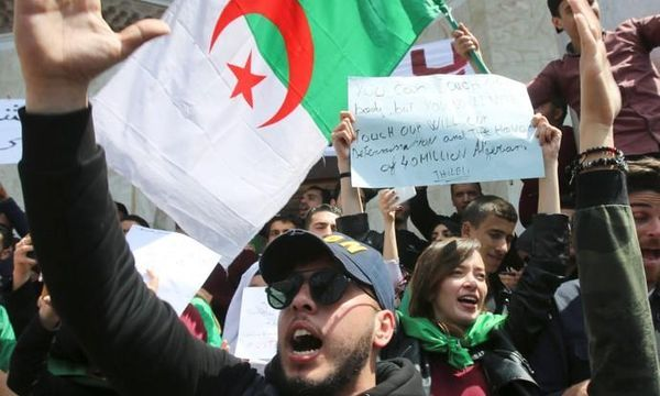 Algerian military considering all options to end crisis