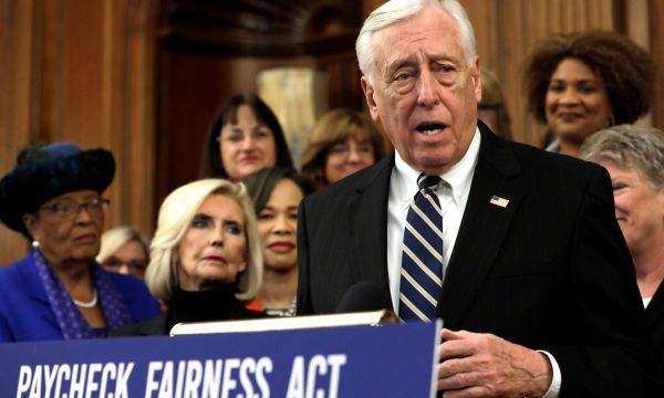House Democratic leader Hoyer: impeachment 'not worthwhile': CNN