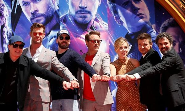 Critics gush over the spectacle and story of 'Avengers: Endgame'