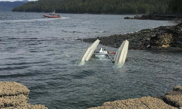 Search for victims ends after mid-air crash of Alaska tour planes; probe begins